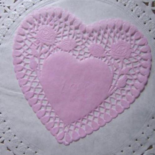 10 rosa Herzen Doilies Tortenspitzen 15cm