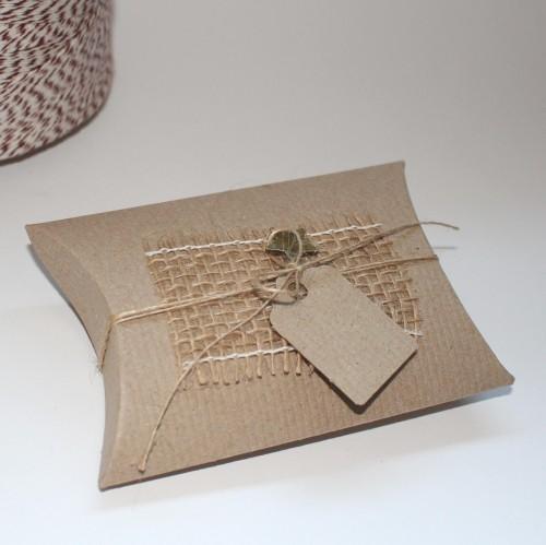 6 Kissenschachteln mini & Pappanhänger Kraft recycl. gerippt