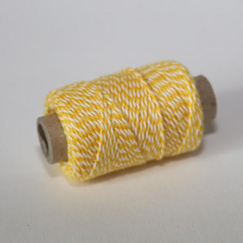 kleine Rolle dünnes Baumwollgarn gelb weiss 35 Meter