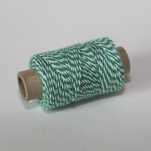 kleine Rolle dünnes Baumwollgarn grün weiss 35 Meter