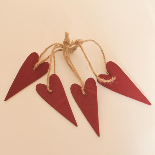 kleine Geschenkanhänger Herz aus Holz dunkelrot, 4 Stk