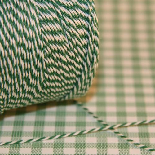 dünnes Baumwollgarn grün / weiß 2fädig