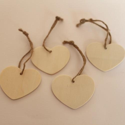 kleine Geschenkanhänger Herz aus Holz natur, 4 Stk