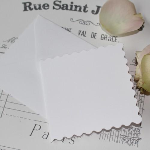 20 kleine Karten & Umschläge Scallop 8x8cm weiss