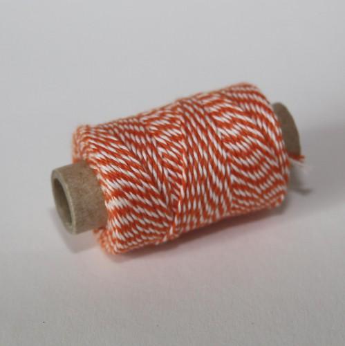 kleine Rolle dünnes Baumwollgarn orange weiss 35 Meter