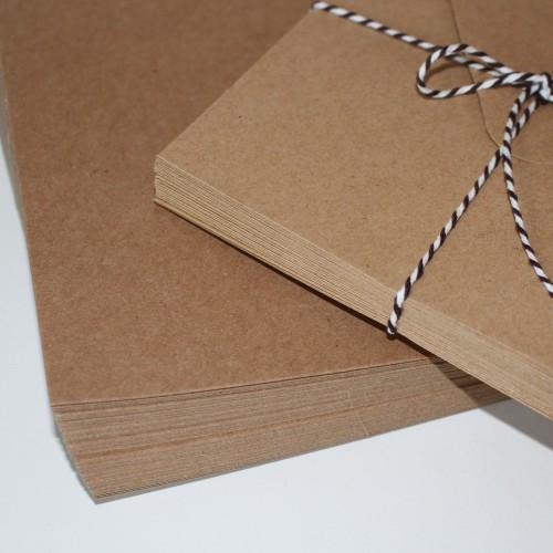 25 Stk. Kraftpapier Karten quadr. 10 x 10 cm inkl. Umschläge