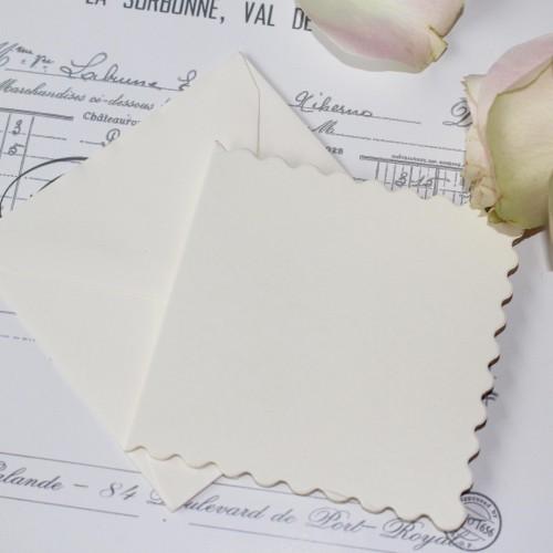 20 kleine Karten & Umschläge Scallop 8x8cm creme