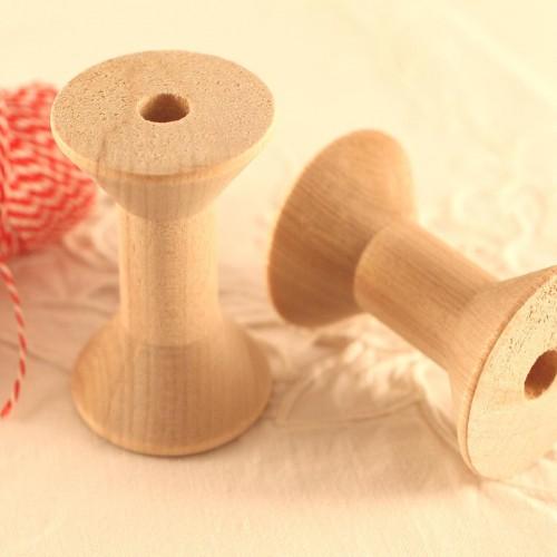 2 Garnspulen aus Holz