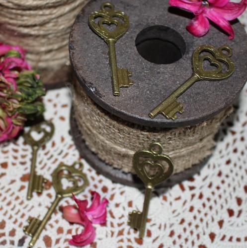 5 Stk. vintage Key Schlüssel Charm 5cm