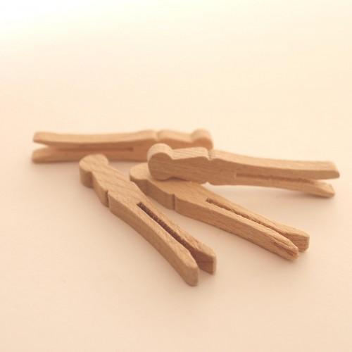 4 kleine flache Wäscheklammern vintage aus Holz
