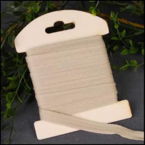 5 Meter Baumwollband Borte beige auf Garnkarte aus Holz