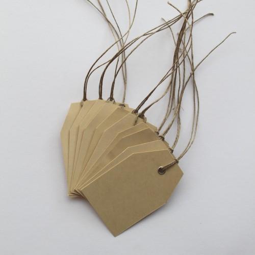 Paketanhänger mit Öse und Band