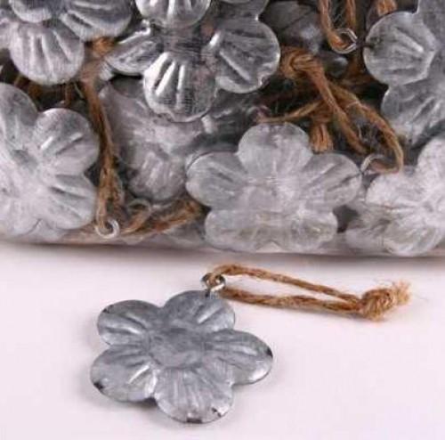 4 kleine Zinkhänger Blüte Juteband