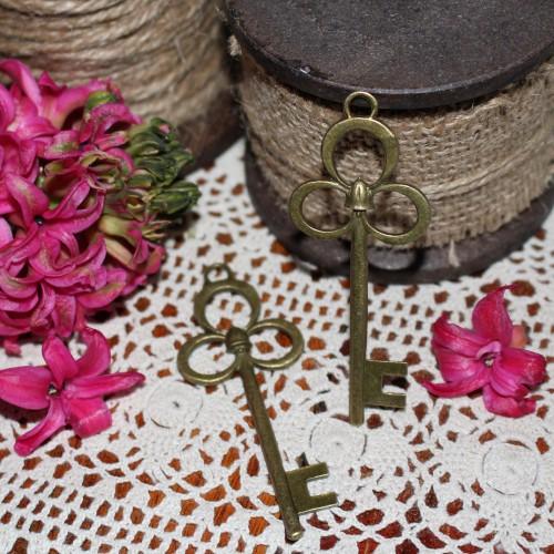 2 Stk.vintage Key Schlüssel Charm 8cm