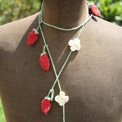 gehäkelte Girlande Erdbeeren