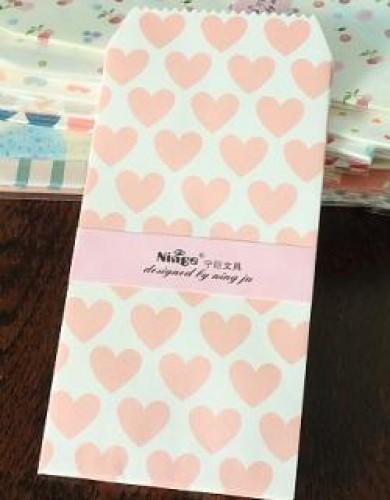 5 Umschläge grosse rosa Herzen