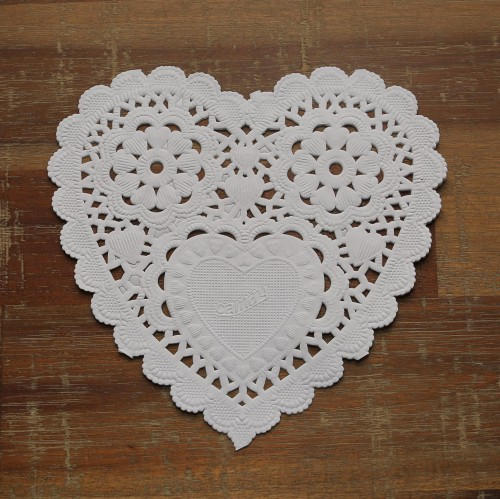 20 weisse Herzen Doilies Tortenspitzen 13cm